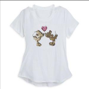 Disney Parks Kissing Mickey & Minnie Mouse Shirt